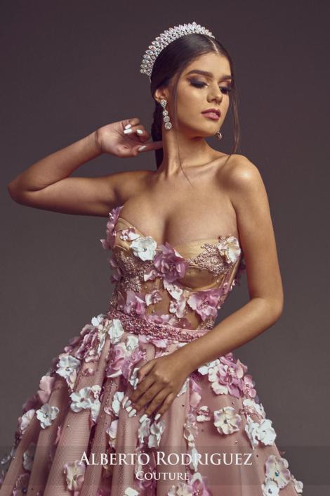 corsete nude con flor 3D