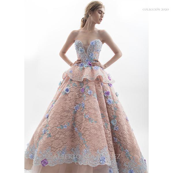 vestido de XV años 1 pieza con bordado de flor 3D