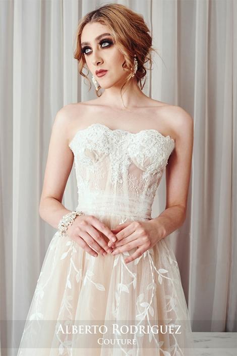 corsete con encaje blanco