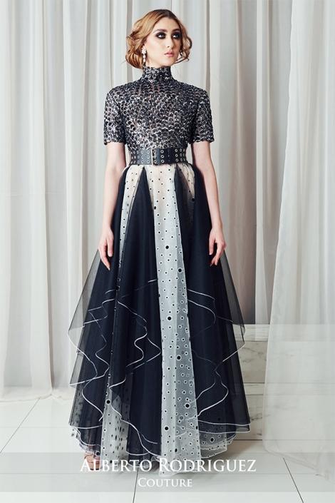vestido 1 pieza con pañuelos negros