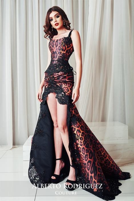 vestido de noche con falda asimetrica