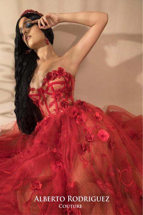 corsete semitransparente bordado de lunares y flor 3D